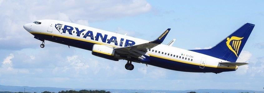 SVARBU: keičiasi Ryanair oro linijų rankinio bagažo tvarka