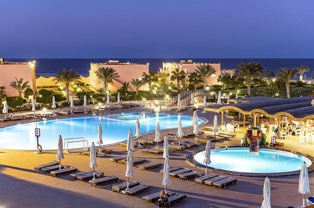 Atostogaukite Marsa Alame: 4★ The Three Corners Happy Life Beach Resort viešbutis su viskas įskaičiuota tik 449€