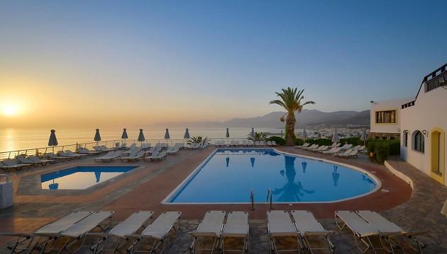Atostogos Kretoje: 4★ Hersonissos Village viešbutis su VISKAS ĮSKAIČIUOTA maitinimu vos 543€